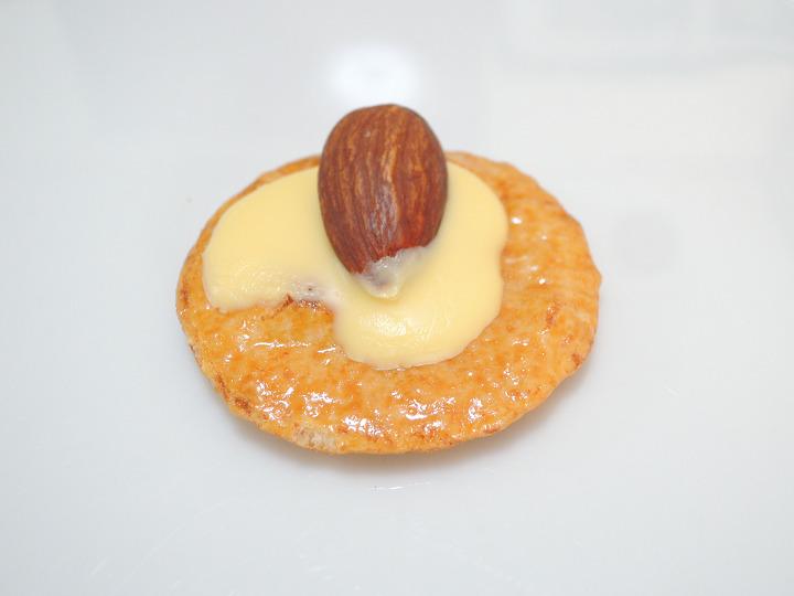 味サロン アーモンドチーズ